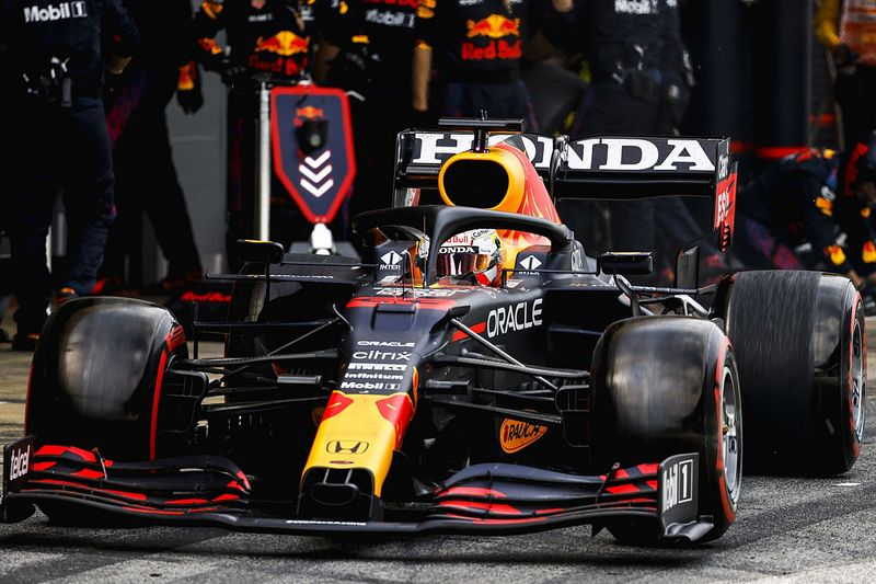 Wolff: 15 staff and an empty factory not enough for Red Bull