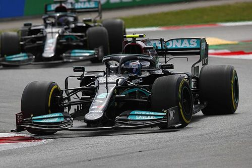 "Hamilton: Bottas ""completely fair"" after team orders call"