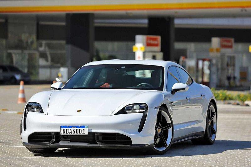 Teste Porsche Taycan Turbo S: Sem gasolina, com muito orgulho