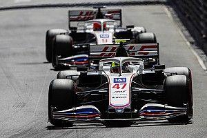 """F1: Chefe da Haas diz que tensão entre Schumacher e Mazepin foi """"tirada de proporção"""""""