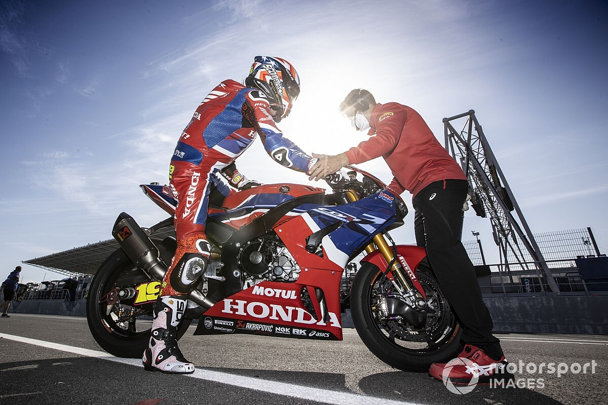 Honda World Superbike challenger losing time