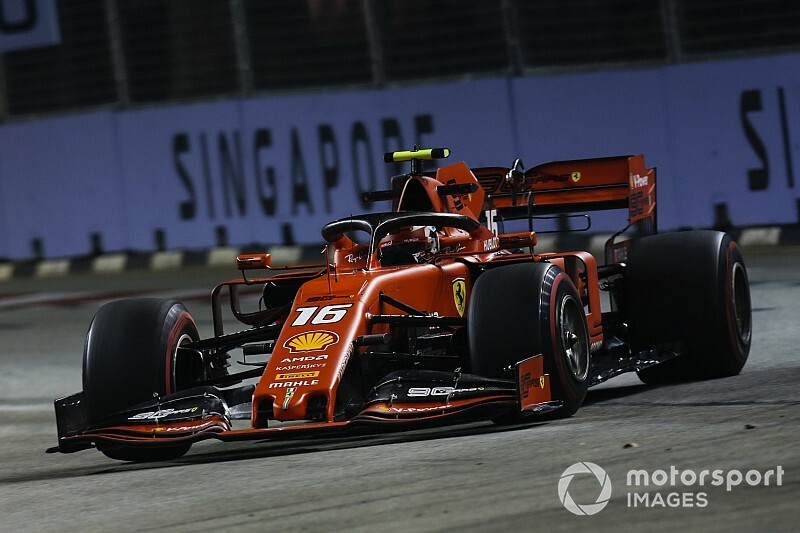 Leclerc coloca Ferrari no topo no terceiro treino livre em Singapura