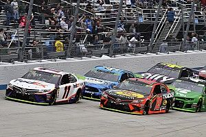 What time and channel is the Saturday Dover NASCAR race?