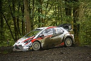 Rally GB WRC: Meeke keeps lead ahead of Neuville