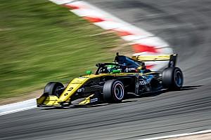 Collet e Fraga: Corrida 3 da etapa de Highlands da Toyota Racing Series