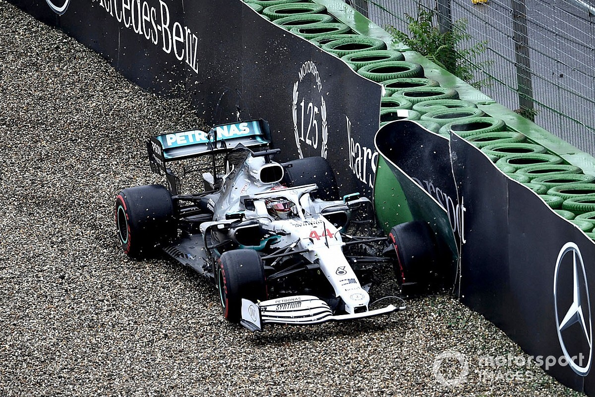 """Bruised"" Mercedes will benefit from German GP pain - Wolff"