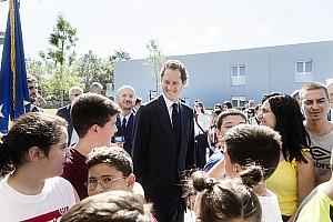 Ferrari: Elkann ad Amatrice nella scuola di... Marchionne