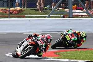 "Smith hopes Espargaro can ""hold on"" at Aprilia"