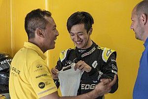 Zhou na testach Renault F1