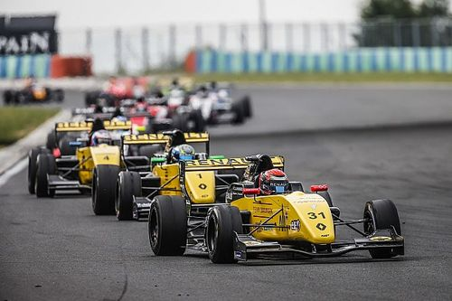 Ye Yfei vince Gara 1, Lundgaard si impone in Gara 2 all'Hungaroring e sale in vetta alla classifica
