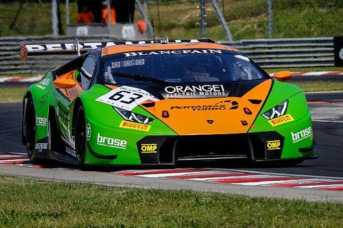 Bortolotti y Engelhart sorprenden a los Mercedes con su Lamborghini