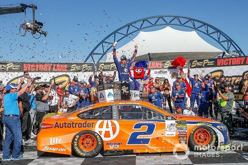 Кеселовски одержал победу в хаотичной гонке NASCAR в Лас-Вегасе