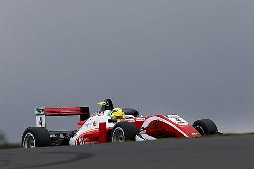 Мик Шумахер выиграл четвертый раз подряд и вышел в лидеры Формулы 3