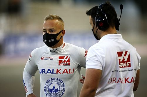 Mazepin szerint a szurkolók döntenek róla – az orosz Michael Schumacherről is szót ejtett