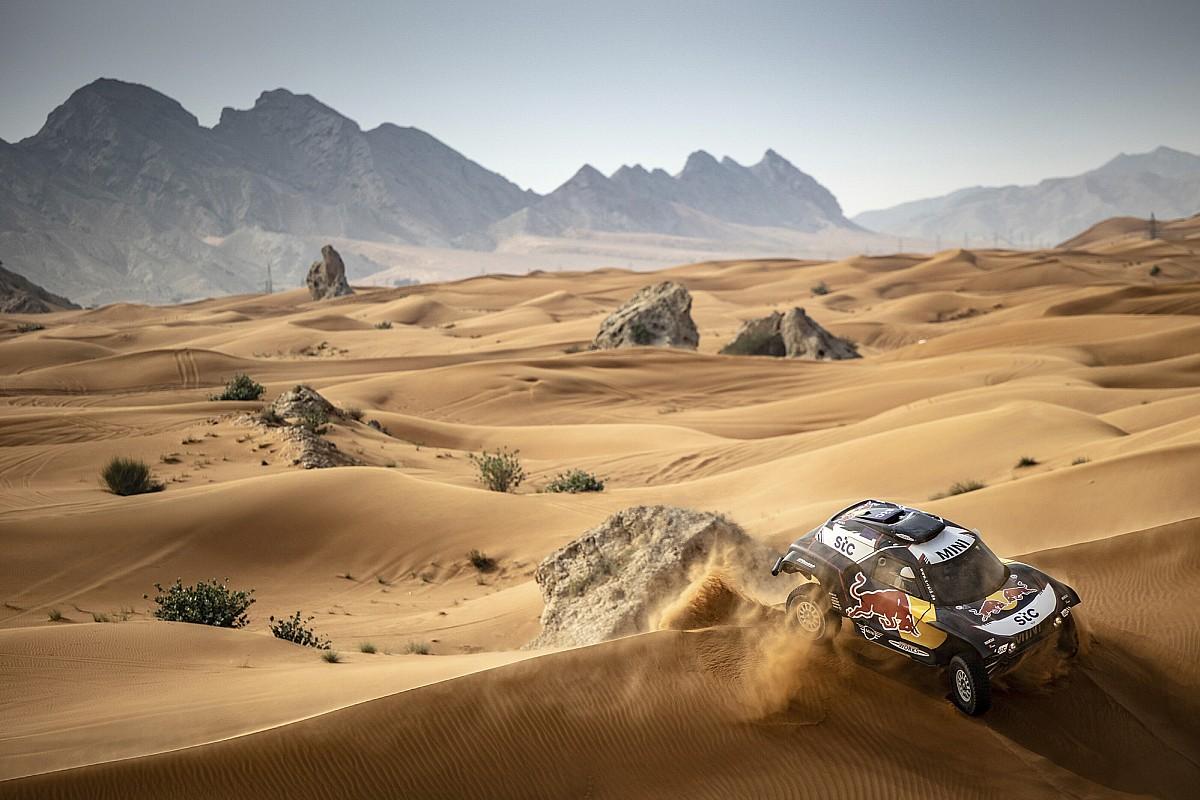 Sainz, Al Attiyah y Peterhansel se baten en las Bajas Hail antes del Dakar