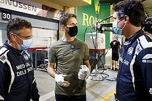 Grosjean a bahreini balesetére emlékezik az új sisakjával