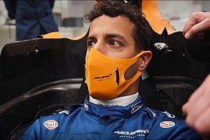 Ricciardo, kalçasını MCL35M'e sığdırmakta zorlanmış