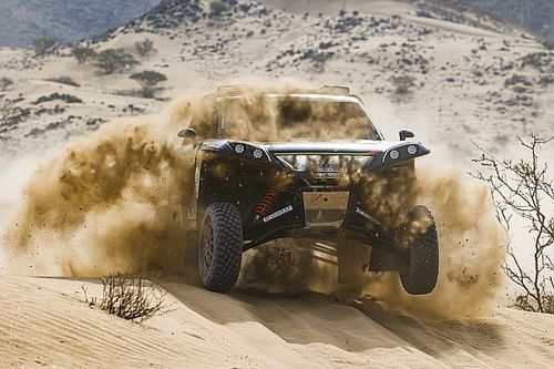 Ban Terbakar Setop Debut Meeke dalam Dakar 2021