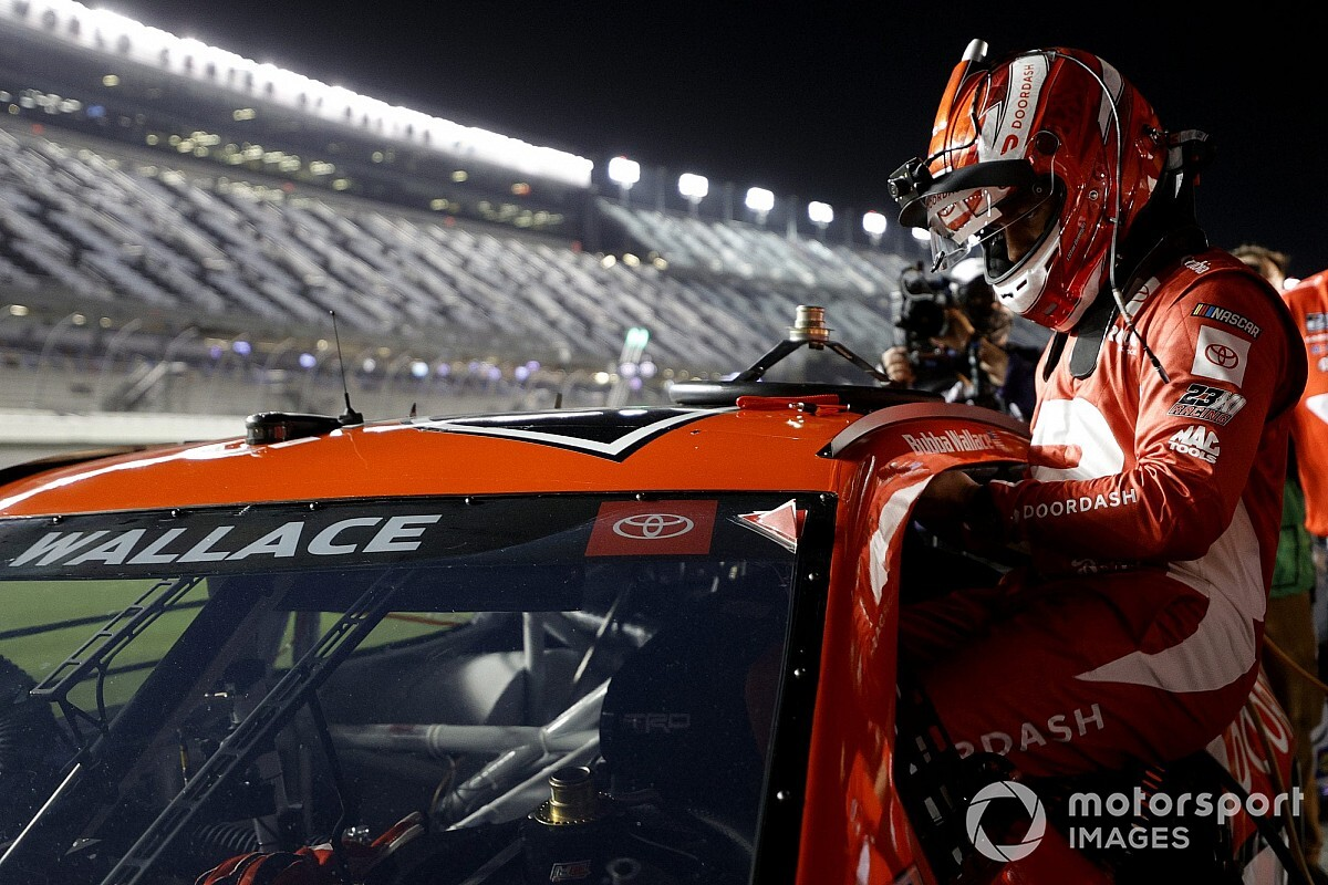 Toyota in talks with two potential new NASCAR team owners