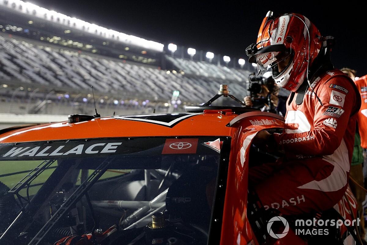Toyota está en charlas con dos posibles nuevos equipos para NASCAR