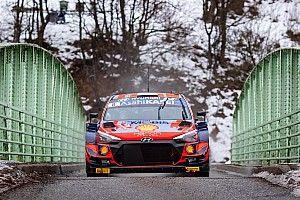 WRCモンテカルロ初日:ヒュンダイのタナク首位発進。トヨタのロバンペラが3秒差で追う