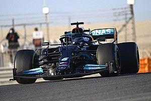 A Mercedes újra két autóval a pályán! – A filmforgatási nap remekül ment