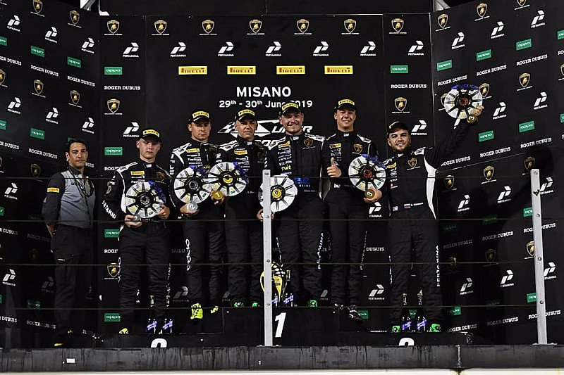 Basz i Paziewski na drugim stopniu podium