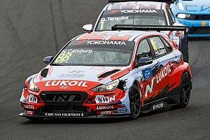 Catsburg in pole per Gara 1 in Slovacchia nella doppietta Hyundai, grande 3° posto di Ma con l'Alfa Romeo