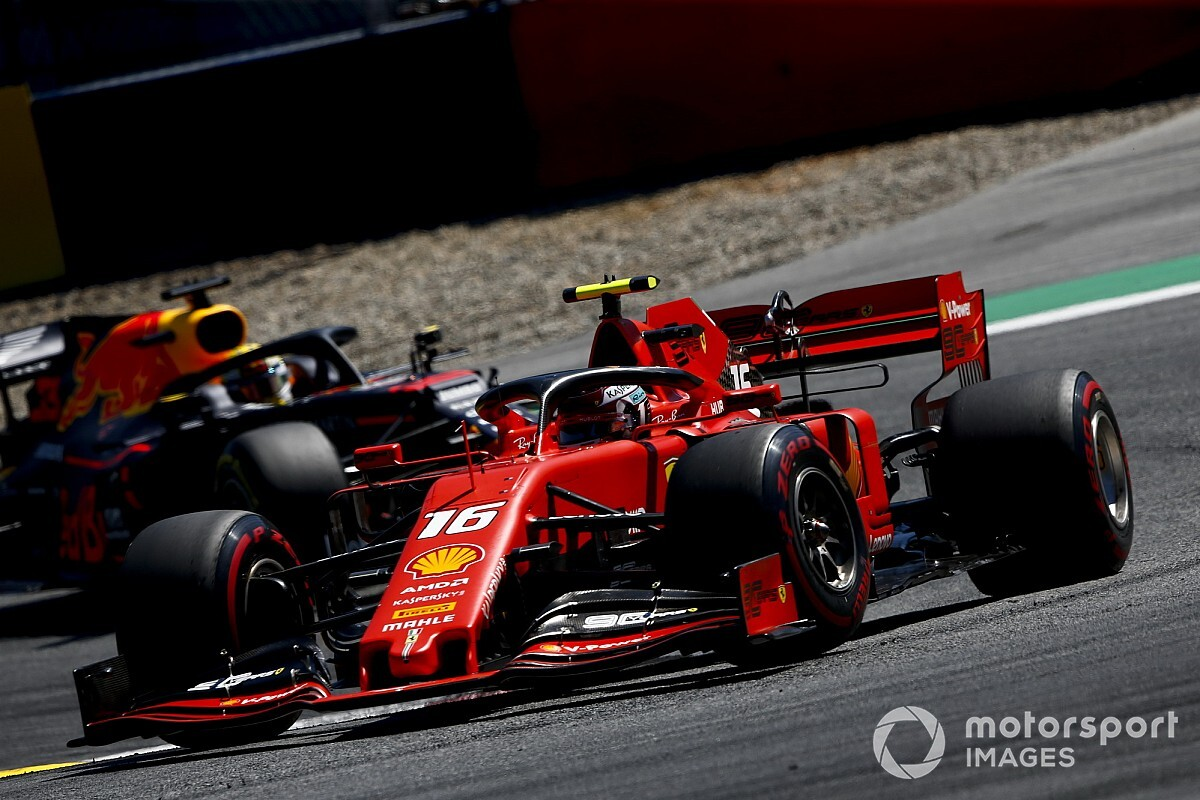 Verstappen: Não faz sentido estar na F1 se ultrapassagem sobre Leclerc for punida