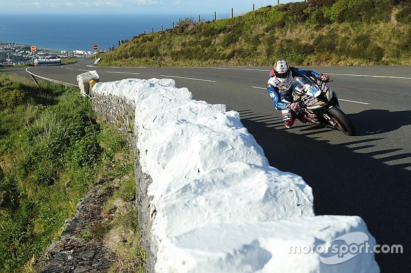 Isle of Man TT: Hickman wint eerste Superbike-race na rode vlag