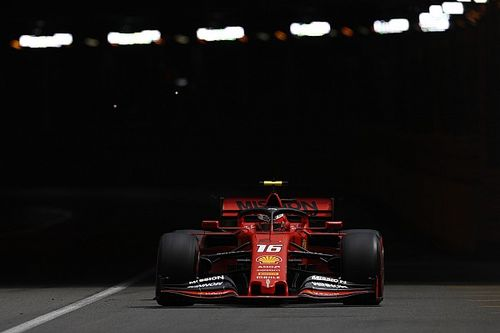 Briatore krytykuje Ferrari