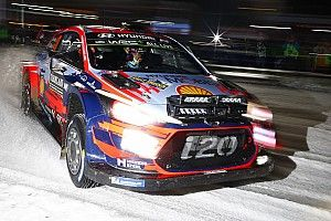 Sweden WRC: Neuville fastest on opening superspecial
