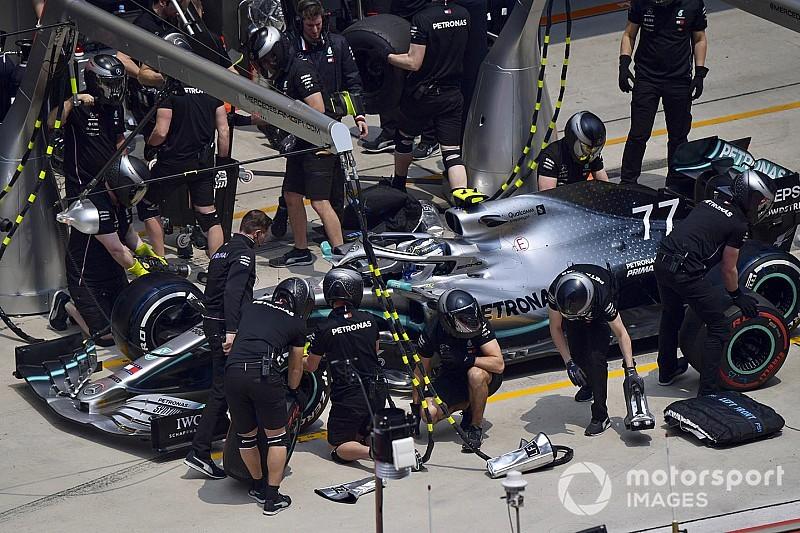 Video: Mercedes'in çift pit stop çalışması