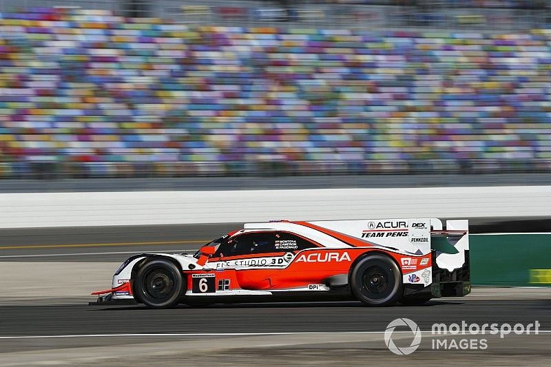 Rolex 24, Hour 2: Acura takes early lead from AXR