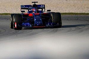 Fotogallery F1: Kvyat e Albon hanno portato al debutto la Toro Rosso STR14 nei test di Barcellona