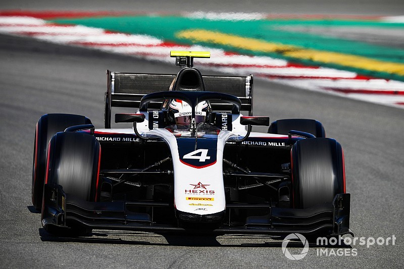 De Vries conclut les tests F2 en force