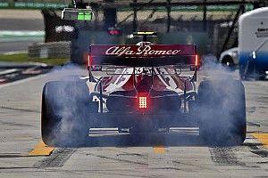 Поломка, испортившая Леклеру гонку в Бахрейне, повторилась в Китае – на машине Alfa Romeo