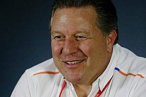 Зак Браун не снизит свою роль в руководстве McLaren из-за прихода Зайдля