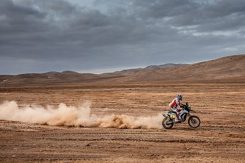 La organización del Dakar retrasa la salida de quinta etapa