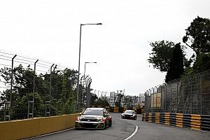 Macau WTCR: Huff claims second pole, Tarquini crashes