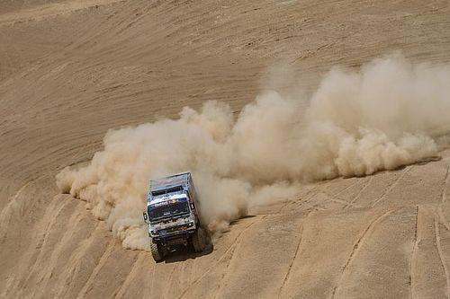 Camiones, etapa 5: caos en el polvo, victoria de Nikolaev y ¡descalificado Karginov!