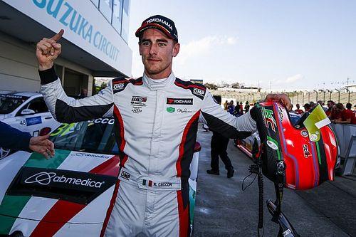 """L'esultanza di Ceccon: """"Grande weekend per tutti noi di Alfa Romeo, domani riproverò a vincere!"""""""