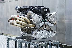 Aston Martin Valkyrie klinkt als old school F1-bolide met Cosworth V12