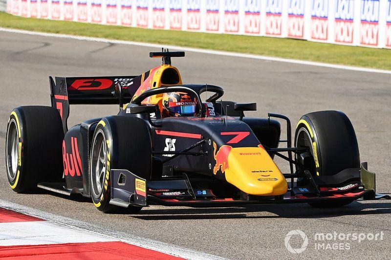 F2: Tsunoda conquista pole em Sochi; Piquet é 12º