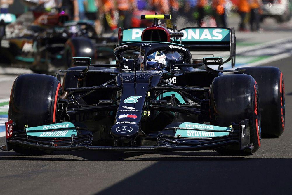 Боттас быстрее всех на FP1 в Спа, Хэмилтону помешал трафик