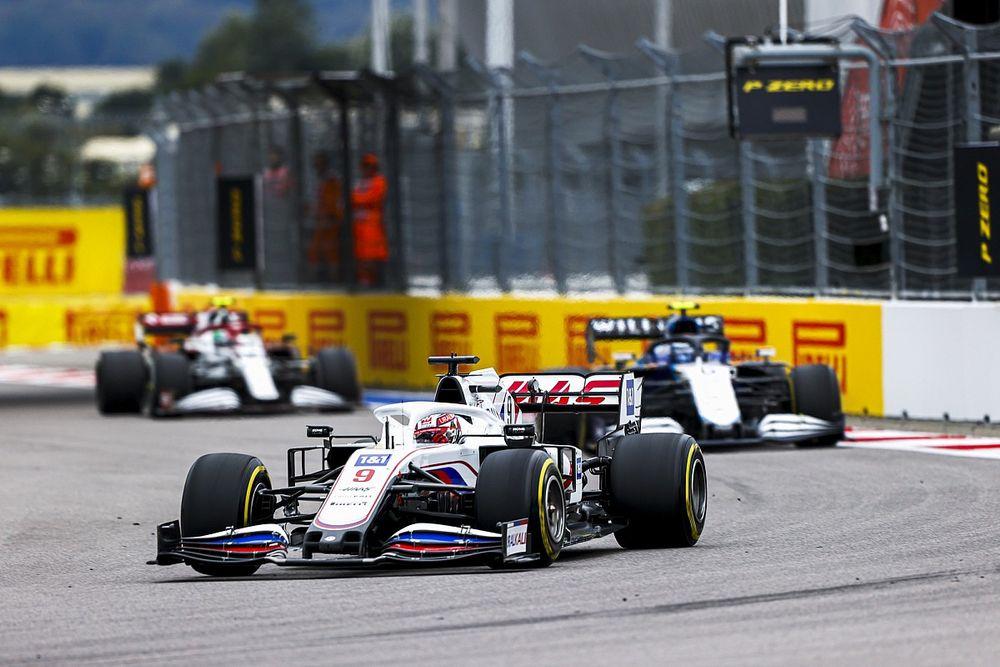Mazepin megint rosszalkodott, de az FIA-t ez nem zavarja