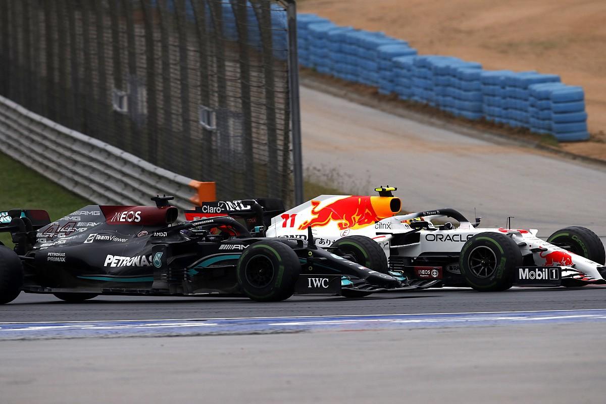 """Perez: """"La lotta con Lewis nel momento peggiore della gara"""""""