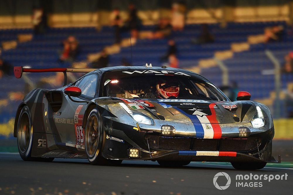 Le Mans, 21a Ora: le Ferrari difendono il primato in GTE