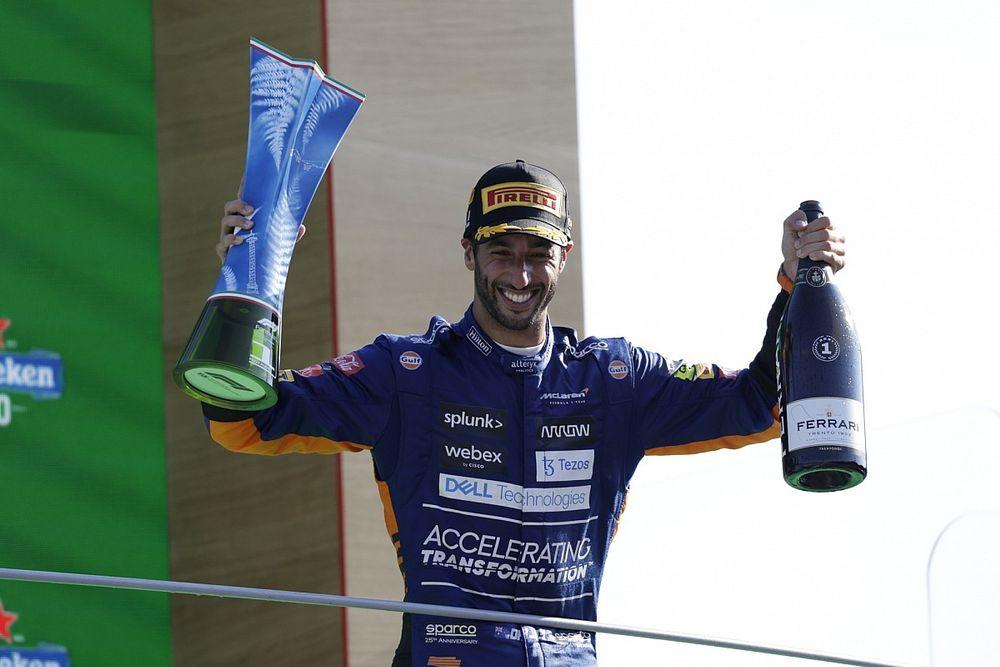 """Ricciardo: """"Yaşadığım zorluklardan sonra bu zafer çok kıymetli"""""""