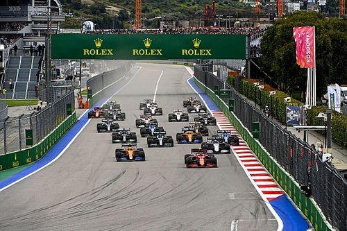 СМИ опубликовали календарь Формулы 1 на 2022 год